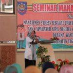 Para Istri PNS Pemkab Tegal Ikutti Seminar Manajemen Stres