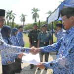 Wali Kota Tegal Serahkan 188  SK Kenaikan Pangkat