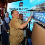 Ratusan Pedagang Kaki Lima Alun- Alun Kota Tegal  Terima Bantuan Gerobak