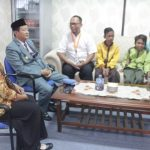 Memberi Motivasi, Kang Nur Bercerita, Ia Anak Tukang Cukur