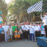 Bersama Ribuan Warga, Plt. Walikota Tegal Ikuti Jalan Sehat HUT RI Ke 73